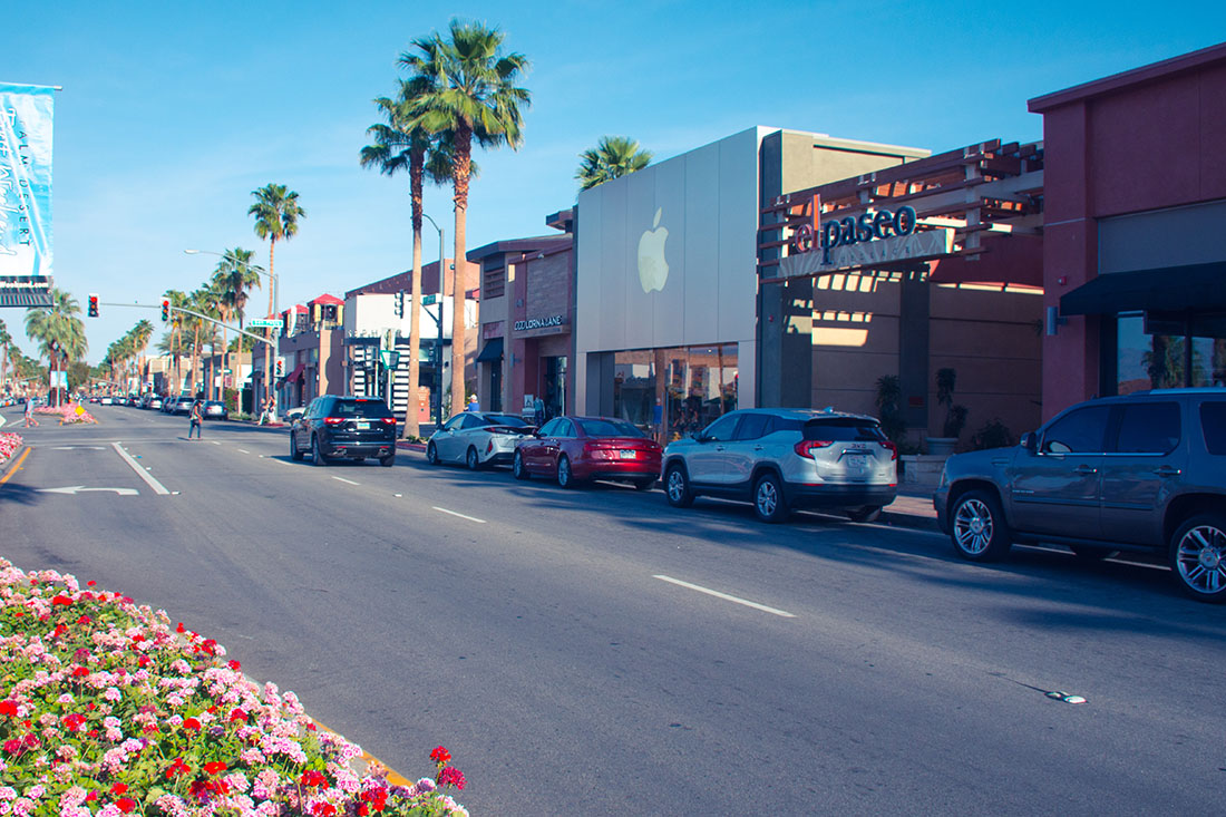 El Paseo Shopping District In Palm Desert