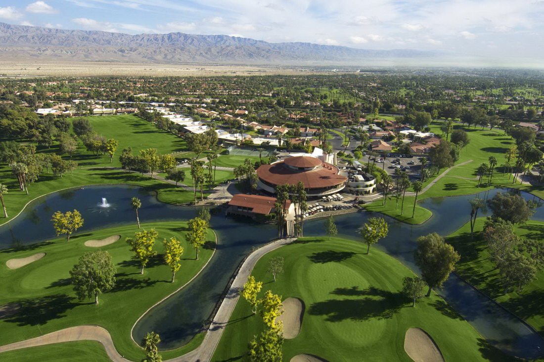 Avondale Golf Course in Palm Desert
